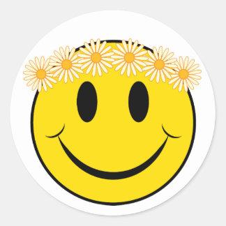 Visage heureux de hippie sticker rond