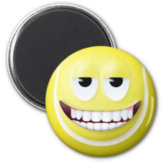 Visage souriant 2 de balle de tennis magnet rond 8 cm