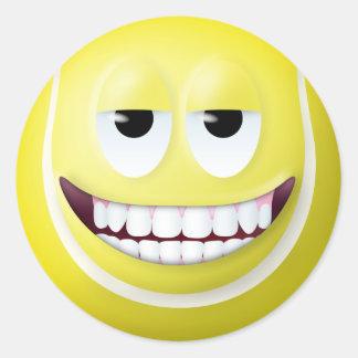 Visage souriant 2 de balle de tennis sticker rond