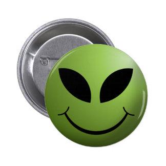 Visage souriant heureux étranger badge
