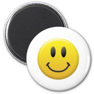 Visage souriant heureux magnet rond 8 cm