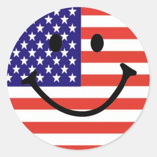 Visage souriant patriotique sticker rond