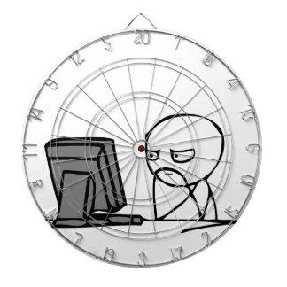 Visages de réaction d ordinateur jeux de fléchettes