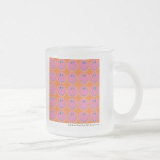 visages heureux d'art de bruit tasse à café