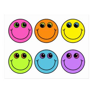 Visages souriants colorés carte postale