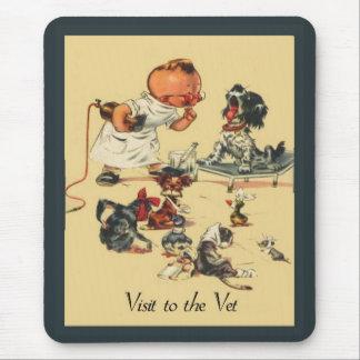Visite vétérinaire vintage au vétérinaire tapis de souris
