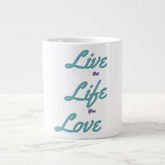 Vivent la vie où vous aimez la tasse de café
