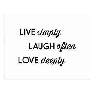Vivent simplement, le rire souvent, aiment carte postale