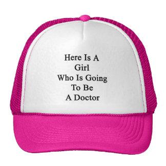 Voici une fille qui va être un docteur casquette de camionneur