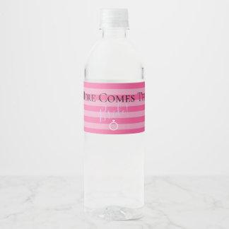 Voici venir les étiquettes de bouteille d'eau de
