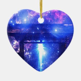 Voie iridescente à n'importe où ornement cœur en céramique