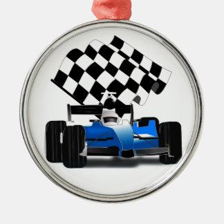 Voiture de course bleue avec le drapeau Checkered Ornement Rond Argenté