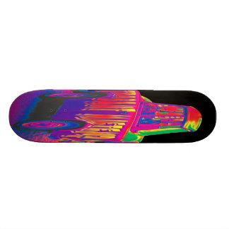 Voiture de Trabant d'arc-en-ciel, dos noir Skateboard Customisable