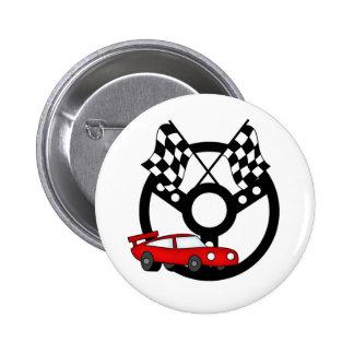 Voiture et drapeaux de course rouges badge avec épingle