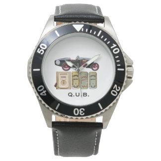 Voiture vintage noire montre
