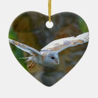 Vol de hibou de grange ornement cœur en céramique