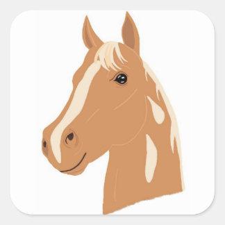 Vol rouge le cheval heureux sticker carré