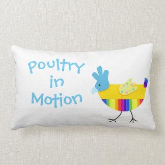 Volaille dans le mouvement, poulet coloré drôle oreiller