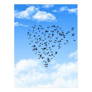 Volée de coeur d amour d oiseaux cartes postales