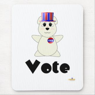 Vote de vote gentil à croquer d'ours blanc tapis de souris