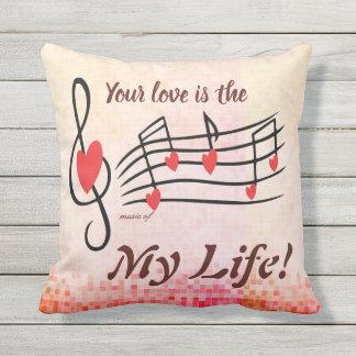 Votre amour est musique de mon coussin de Saint