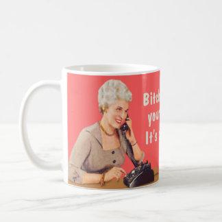 Votre nouvelle chanson du générique s'appelle la mug