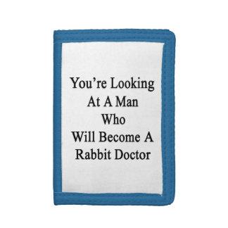 Vous regardez un homme qui deviendra un lapin D