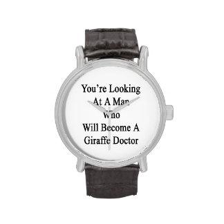 Vous regardez un homme qui deviendra une girafe montres