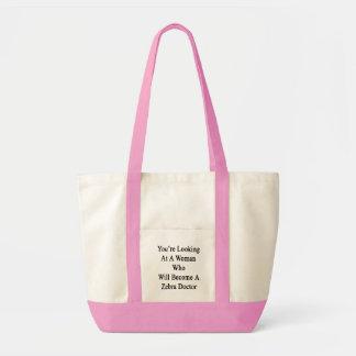 Vous regardez une femme qui deviendra un zèbre sac en toile