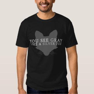 Vous voyez le gris que je vois un Fox argenté T-shirts
