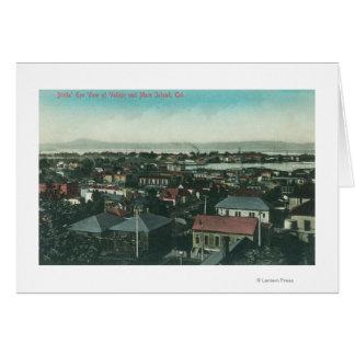 Vue aérienne de la ville et de l'île de jument carte de vœux