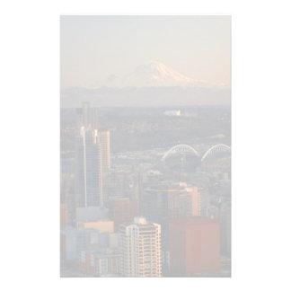 Vue aérienne de l'horizon 2 de ville de Seattle Papier À Lettre Customisable