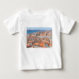 Vue aérienne de Lisbonne, Portugal T-shirt Pour Bébé