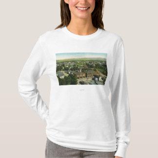 Vue aérienne de ville, de caserne de pompiers et t-shirt