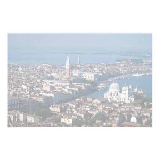 Vue aérienne du campanile et du canal grand du VE Papier À Lettre Customisé