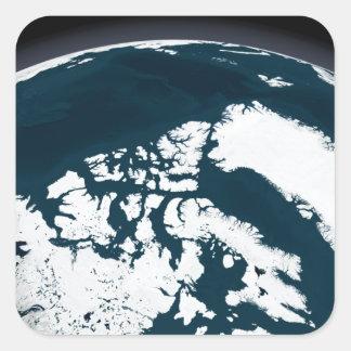 Vue au-dessus du Groenland et de l'océan arctique Sticker Carré