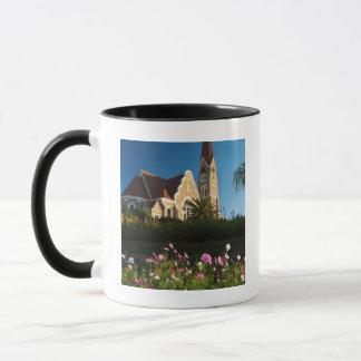 Vue d'angle faible de l'église du Christ Mug