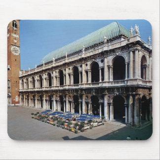 Vue de la façade de la basilique Palladiana Tapis De Souris