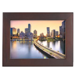Vue de la mandarine Miami oriental avec la Boîte À Souvenirs