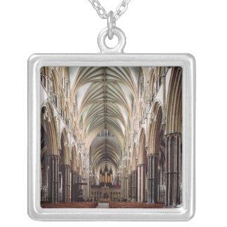 Vue de la nef, établie 1215-55 collier