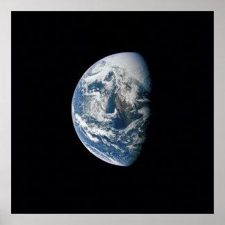 Vue de la terre d'Apollo 13 Posters