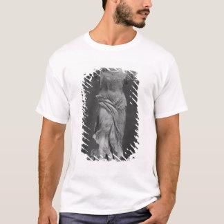 Vue de la victoire Samothrace dans le musée de T-shirt