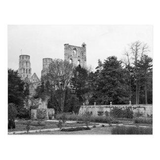 Vue de l'extérieur d'église, c.1052-67 carte postale