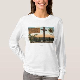 Vue de monument de Serra, vieille ville San Diego T-shirt