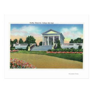Vue de parc de colline d'université de mémorial de carte postale