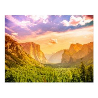 Vue de tunnel de parc national de Yosemite Carte Postale
