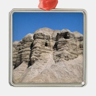 Vue des cavernes de Qumran Ornement Carré Argenté