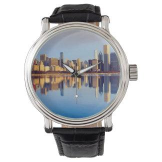 Vue d'horizon de Chicago avec la réflexion Montres Bracelet