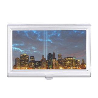 Vue d'horizon de ville dans la nuit porte-cartes de visite