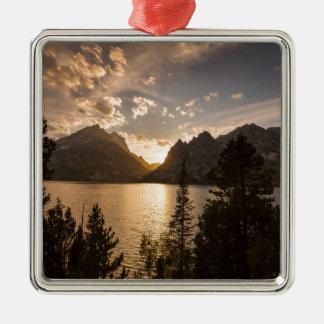 Vue d'or de lac jenny ornement carré argenté